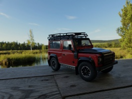 Land Rover - Defender 90 Adventure